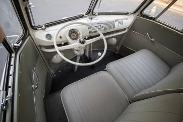@1963 Volkswagen '23-Window' Deluxe Microbus - 9