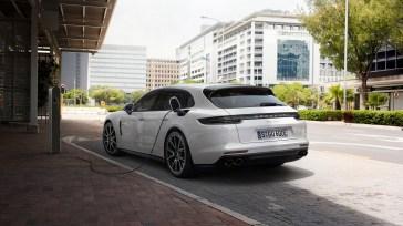 @Porsche Panamera Sport Turismo - 5