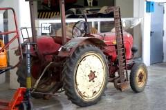 @Porsche-Lager - Traktoren - ©pru - 2