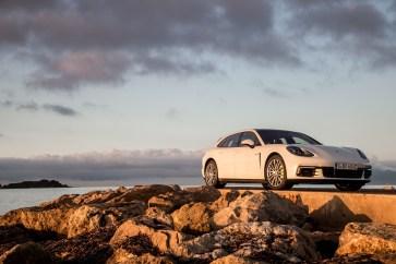 @Porsche Panamera Sport Turismo - 12