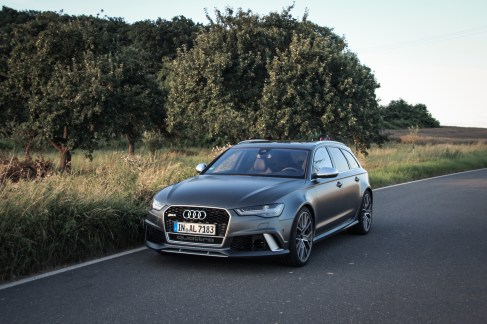 Audi RS6 competition Avant Wallpaper 17