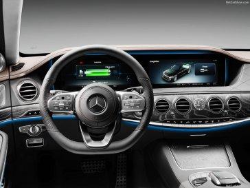 Mercedes-Benz-S560e-2018-1280-16