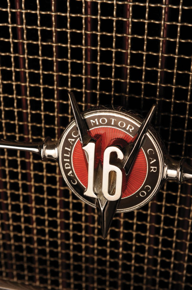 1930-Cadillac-V16-2_4-Passenger-Convertible-Coupe-_9