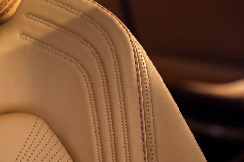 @Aston Martin DBX - 9
