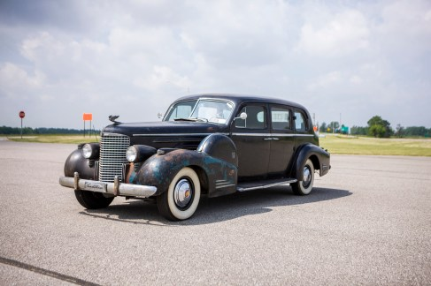 1939-Cadillac-Series-90-V-16-Seven-Passenger-Sedan-by-Fleetwood_0