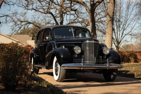 @1940 Cadillac Series 90 V-16 Seven-Passenger Formal Sedan - 11