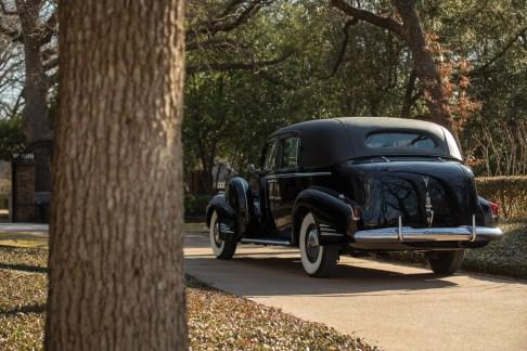 @1940 Cadillac Series 90 V-16 Seven-Passenger Formal Sedan - 13
