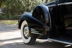@1940 Cadillac Series 90 V-16 Seven-Passenger Formal Sedan - 19