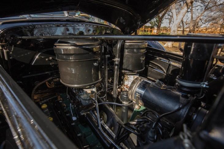 @1940 Cadillac Series 90 V-16 Seven-Passenger Formal Sedan - 24