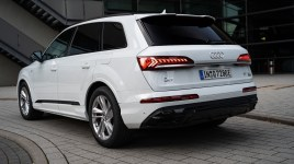 2020 Audi Q7 60 TFSIe-0028