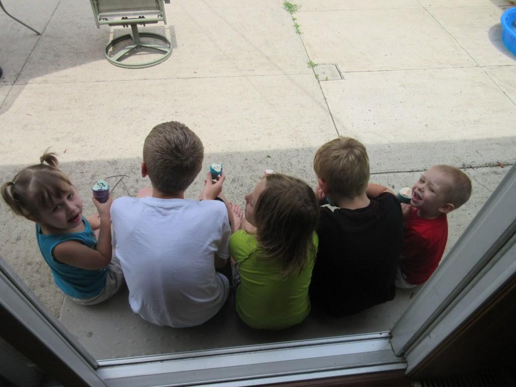 More cute kids on steps