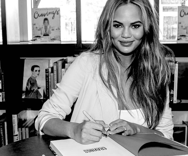 chrissy teigen favorite books