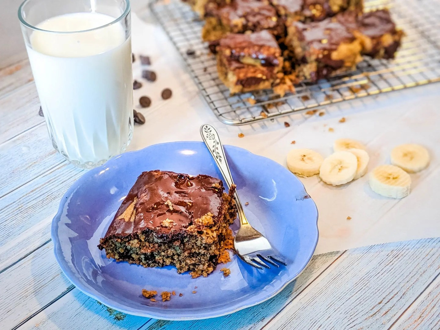 oatmeal with peanut butter chocolate banana breakfast bars healthy