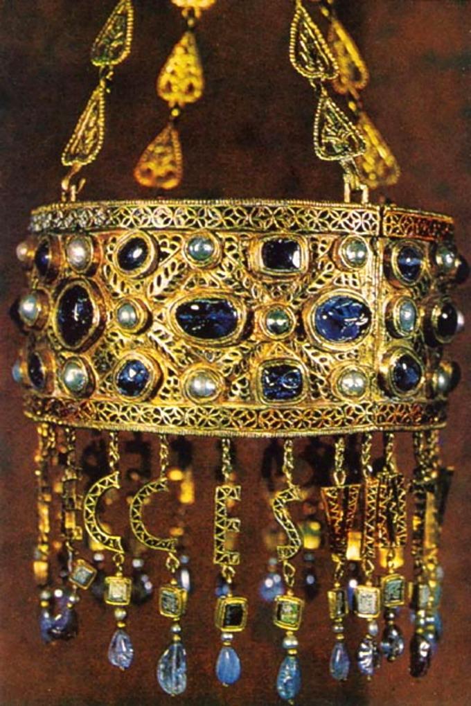 Corona votiva del re Visigoto Recesvindo (Toledo, VII secolo)