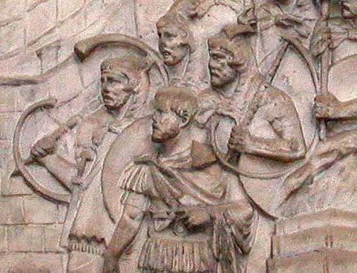 Suonatori di buccina. Bassorilievo sulla colonna Traiana.
