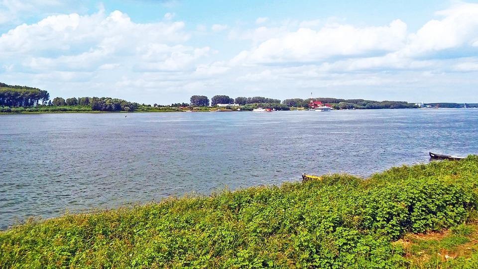 Larghezza del Danubio nei pressi Silistra, Bulgaria, uno dei probabili punti di attraversamento dei Goti