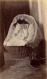 photo mortuaire bébé