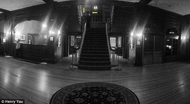Stanley Hotel fantômes et escalier -1