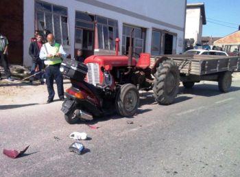 aksident traktori motocikleta