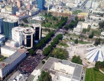 protesta madheshtore tirane