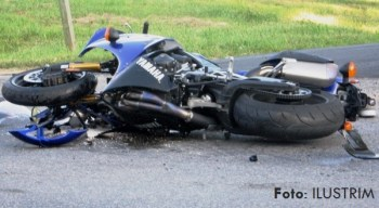 motocikleta aksident plave