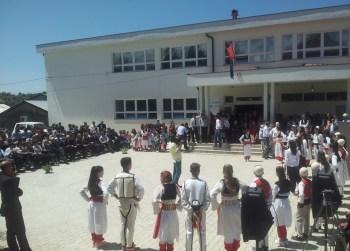 "Shkolla ""Sezai Surroi"" kremtoi 54-vjetorin e themelimit!"