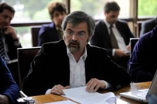 El abogado Luis Mariano Rendón ha presentado dos querellas ante el 7mo Juzgado de Garantía de Santiago por prevaricación: una en contra del subsecretario del Interior, Juan Francisco Galli, y otra contra el alcalde de Santiago, Felipe Alessandri.