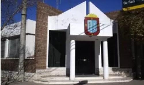 https://i2.wp.com/radio2000camilo.com.ar/wp-content/uploads/2013/05/MunicipalidadFrente1.jpg?resize=500%2C297&ssl=1