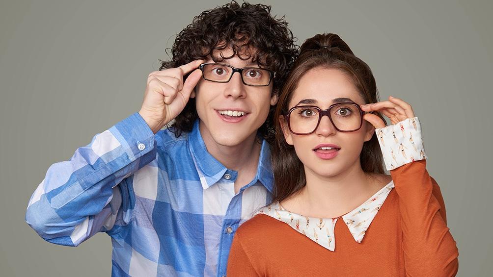 Alan Madanes y Carolina Kopelioff las figuras centrales de una comedia del off exitosa
