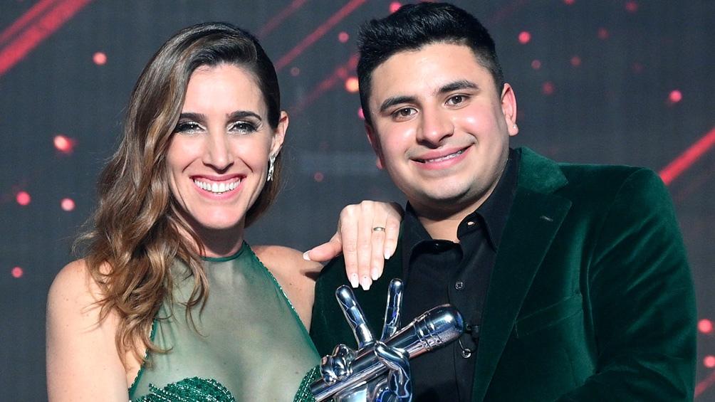 Francisco Benítez obtuvo el 44,3% de los votos del público, haciendo también que Soledad Pastorutti sea catapultada como la coach ganadora por segunda vez en el reality. (Foto Twitter @sole_pastorutti))
