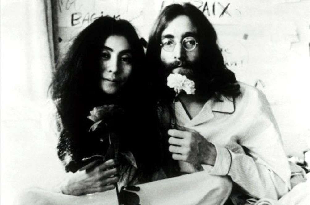 """En los años siguientes a la publicación de la famosa canción, Lennon fue adoptando un compromiso mayor con la lucha feminista a partir de canciones como """"Woman Is the Nigger of the World"""""""