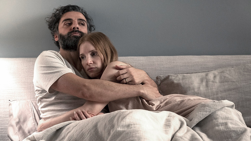 Oscar Isaac y Jessica Chastain los dos únicos protagonistas de la miniserie. Foto: HBO Max.