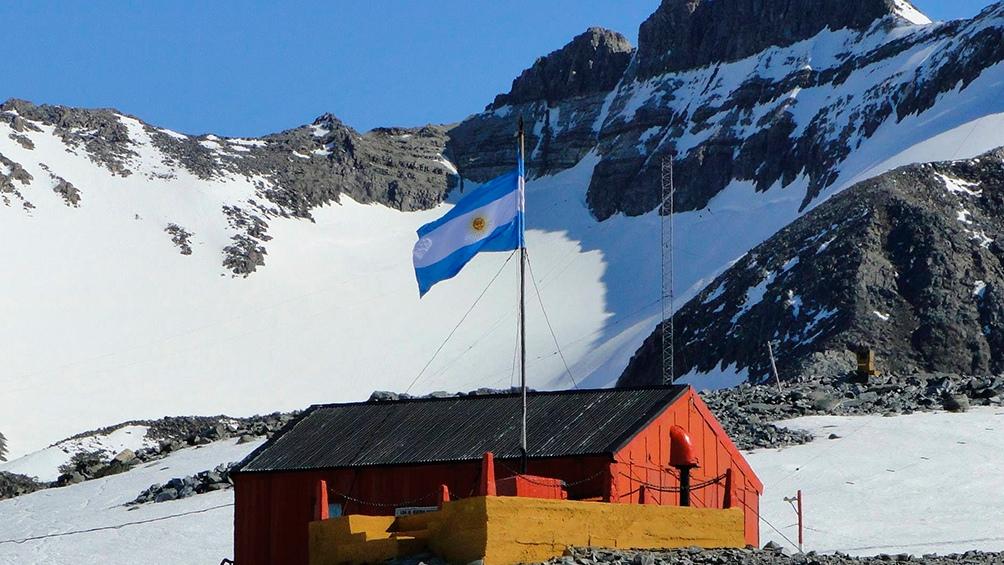 LRA 36 Arcángel San Gabriel en la Base Esperanza de la Antártida Argentina. Foto: Radio Nacional.