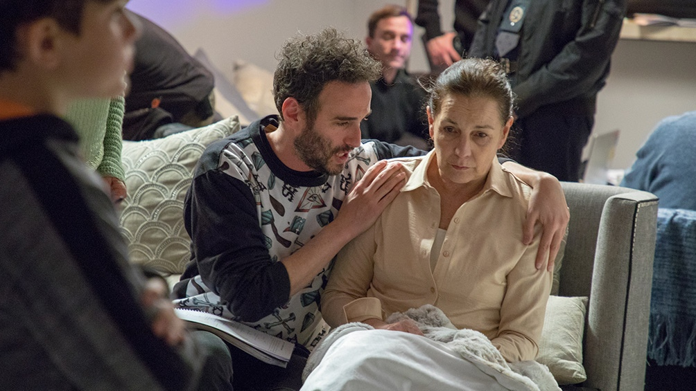 Otro momento dle rodaje con el director y Mónica Gonzaga. Foto: prensa Amor bandido.