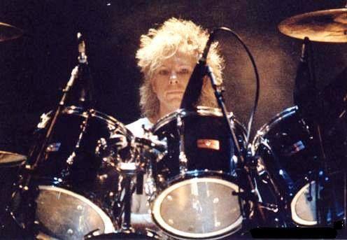 Il 24 aprile 1957 nasce Boris Williams, batterista dei The Cure