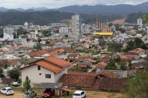 Protestos e cobranças de dívidas com o município d...