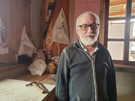 Há 56 anos José Carlos atua como sapateiro