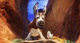 Bo (Steven Yeun) and Dave (Keegan-Michael Key) in Sony Pictures Animations' THE STAR.