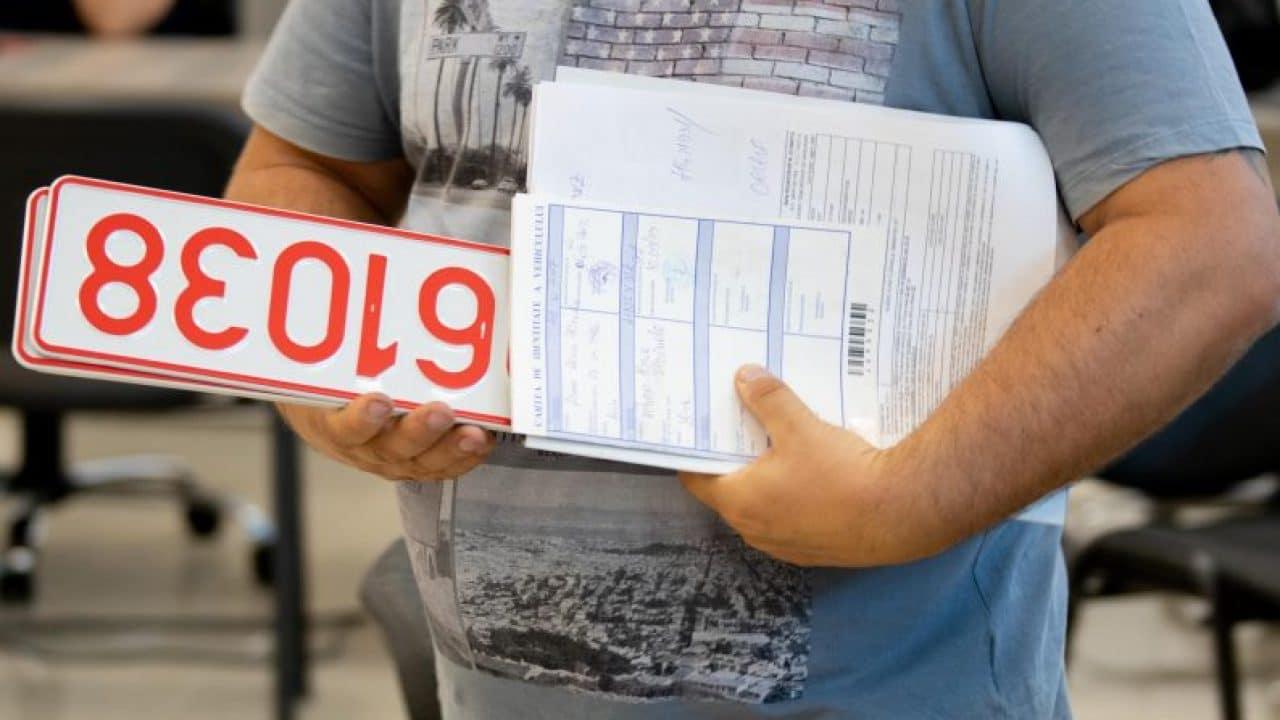 Cei care și-au rezervat numere de înmatriculare pot prelungi valabilitatea rezervării cu încă doi ani