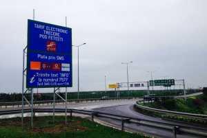 Maşinile deţinute sau folosite de persoanele cu handicap nu vor plăti taxa de pod la Feteşti şi Cernavodă