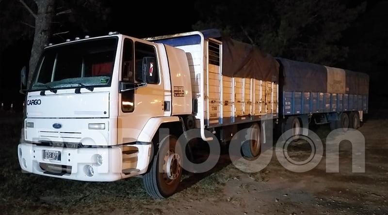 En Castex, demoraron a un camionero de Caleufú que transportaba cereal sin documentación