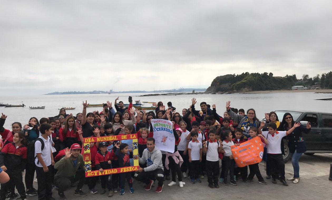 Escuela Konrad Adenauer de Lota realizó caminata en celebración del Día de la actividad Física