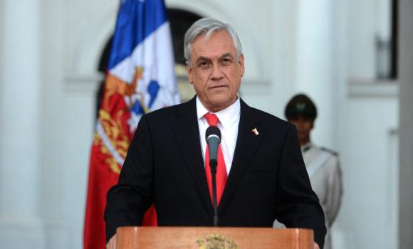 Presidente promulga la Ley Gabriela que amplía el concepto de femicidio al pololeo