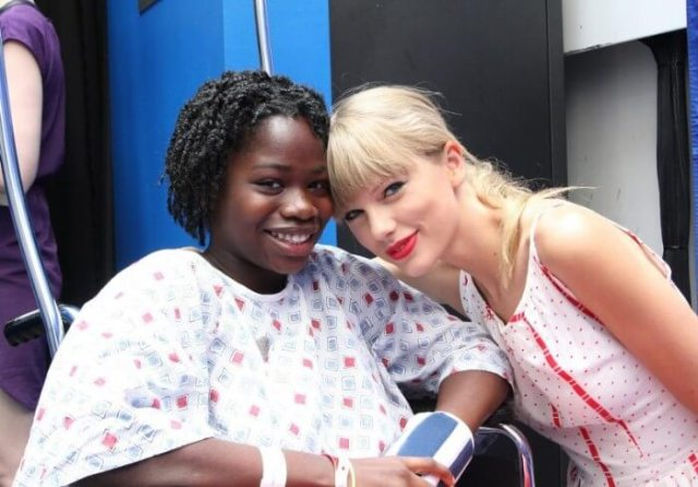 Taylor Swift Brings an Extraordinary Gift toTeens at The Children's Hospital of Philadelphia's Cancer Center