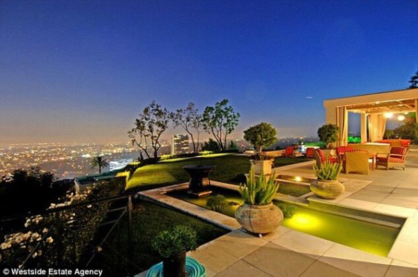 Dr Dre Sells Home for Hefty Profit 3