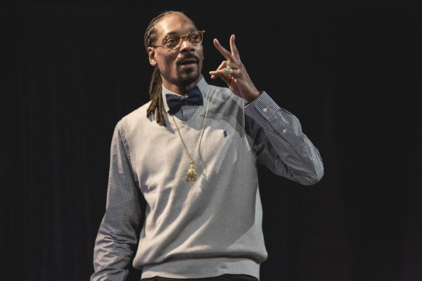 Snoop Dogg Talks Reaganomics, Guns and Drugs Being Shipped into the Black Community