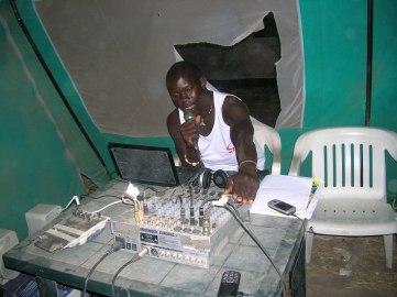 Uno dei primi DJ della radio. 2012