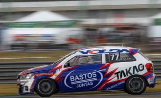 Calor de Goiânia desafia carros e pilotos da TN