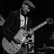 """Bluesgitarrist Freischlader """"Die Baumwollfelder von Wuppertal"""" Von Peter Kemper"""