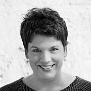 """""""Asymmetrien"""" eine Standortbestimmung Essay von Dominika Hirschler"""